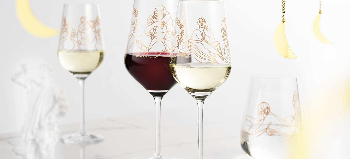 Wine ensemble: Wine & water glasses